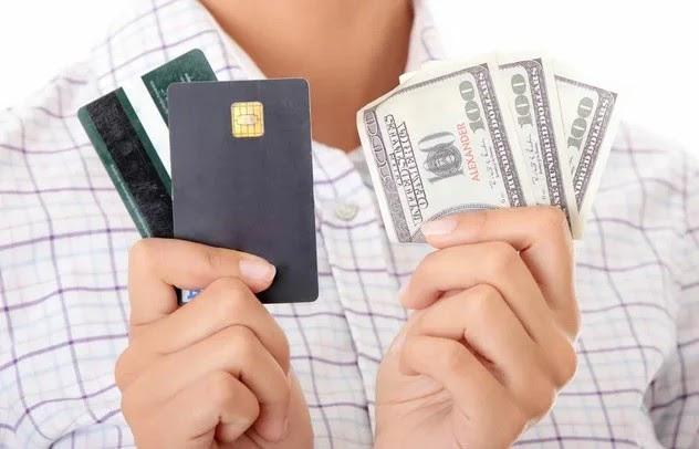 кредитная карта или наличность